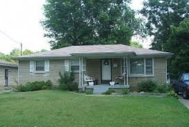 3203 Lencott Dr, Louisville, KY 40216-1